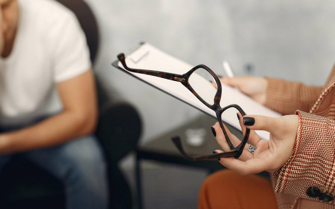 Czym się różni psycholog, psychoterapeuta i psychiatra?